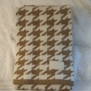 Coach Soft Hounds Tooth Scarf